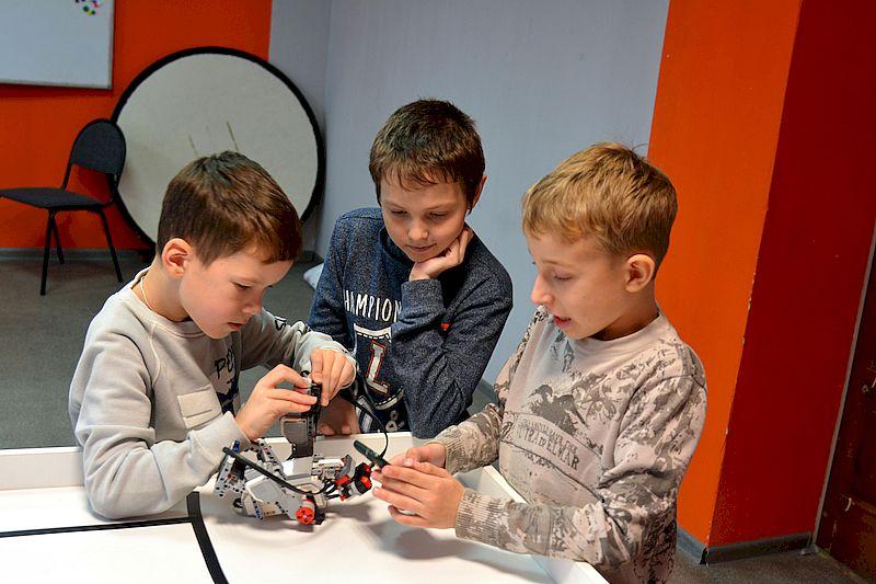 Юные техники и инженеры